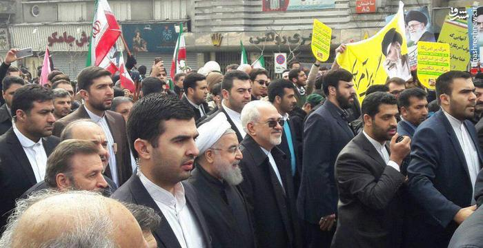 حسن روحانی رئیس جمهور به همراه جمعی از اعضای هیات دولت