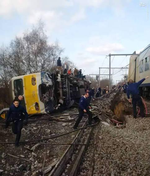 عکس/ خارج شدن قطار مسافری از ریل در بلژیک