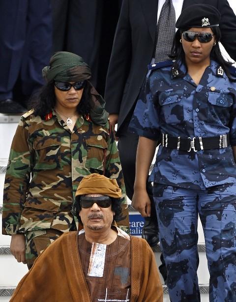 علیرضااحسانی نیا:زوایای پنهان زندگی دیکتاتور صهیونیست + تصاویر 11