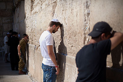 عکس پیکه کنار دیوار ندبه در اسراییل