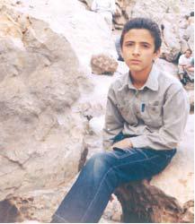 پسر دانشآموز یزدی برای دیدن فرشته نجاتش به تقلید از یک سریال تخیلی خود را به دار آویخت و جان سپرد