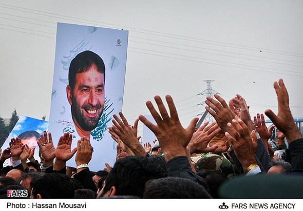تصاویر تشییع پیکر پاک شهدای غدیر سپاه | Www.FarsiMode.Com