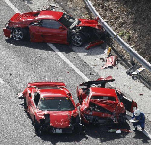 114940 924 تصادف هشت فراری و یک لامبورگینی+عکس