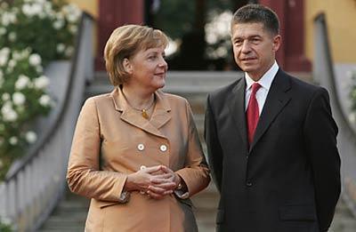 """علیرضااحسانی نیا:پرستوی """"کا. گ. ب"""" چگونه صدر اعظم آلمان شد؟ + تصاویر 3"""