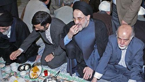 عکس/ خاتمی و احمدی نژاد برسر یک سفره