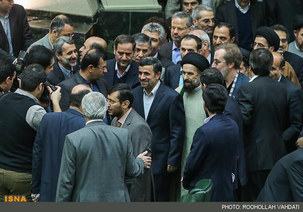 سخنانی که احمدی نژاد برای شنیدنش وقت نداشت (عکس)