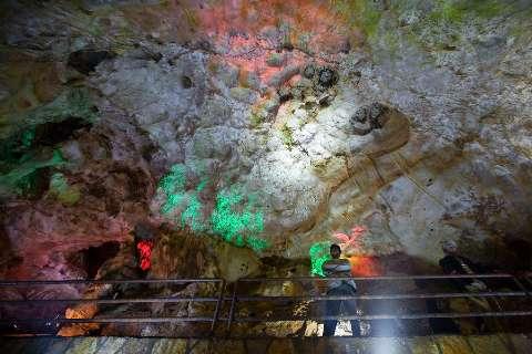 Image result for تصاویری از غارقوری قلعه