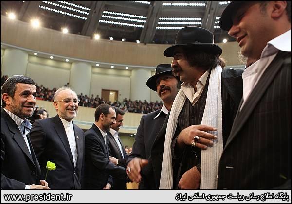 داش مشتی ها و احمدی نژاد / عکس