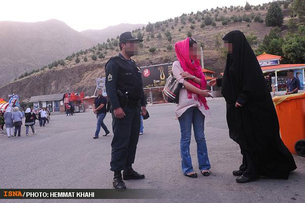 نصیحت  دختران بد حجاب در تهران+تصاویر