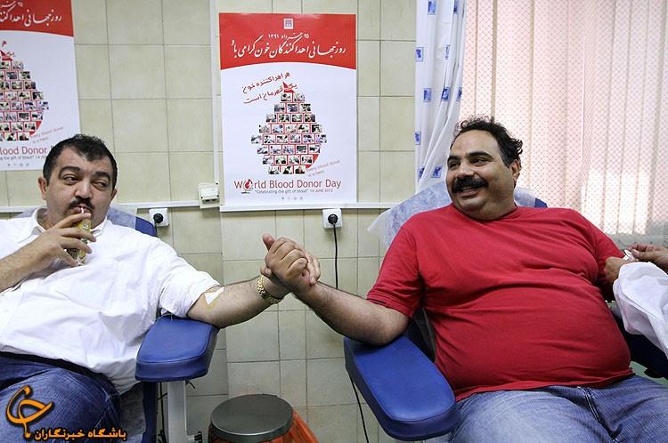 تصاویر / بگوری و غول برره در حال اهداء خون