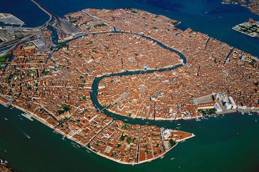عکس/ نمایی زیبا از شهر ونیز در ایتالیا ...