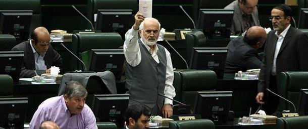 لاریجانی:دولت باید روش توزیع سبد کالا را اصلاح کند/ توکلی:وضعیت امروز بدتر از شروع هدفمندی است