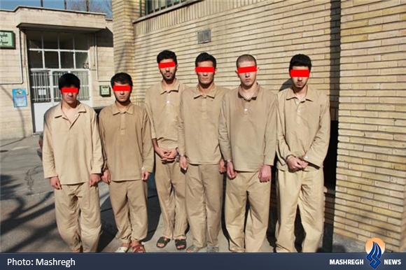 دستگیری زورگیرانی که مالباختگان را نوار پیچ میکردند+عکس