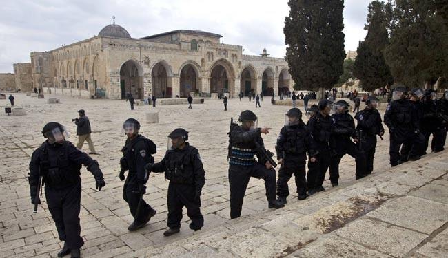 فرار صهیونیستها ازصحن مسجدالاقصی