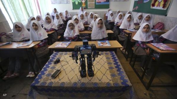 بازتاب خبر ساخت ربات نمازخوان در شبکه چینی + فیلم // در حال ویرایش