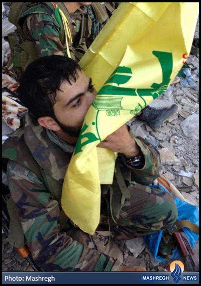 عکس / پرچمی که مجاهدانِ راستین بوسیدند