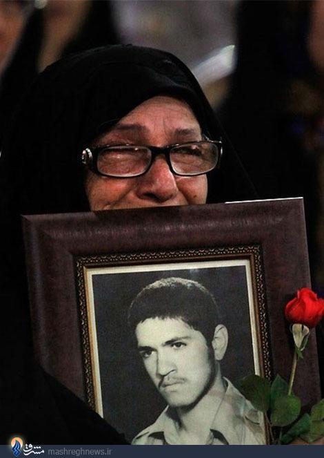 آرزوی مادر شهیدی که پس از 31 سال برآورده شد+فیلم و عکس