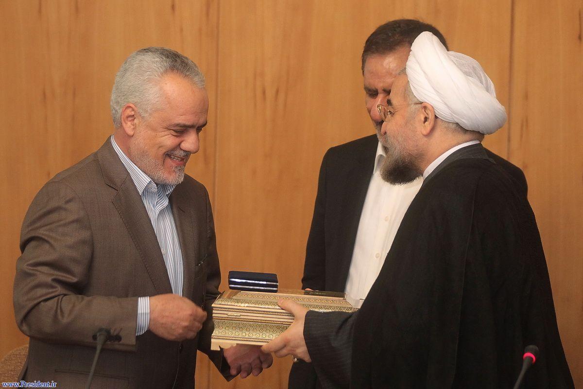 عکس روحانی و احمدی نژاد