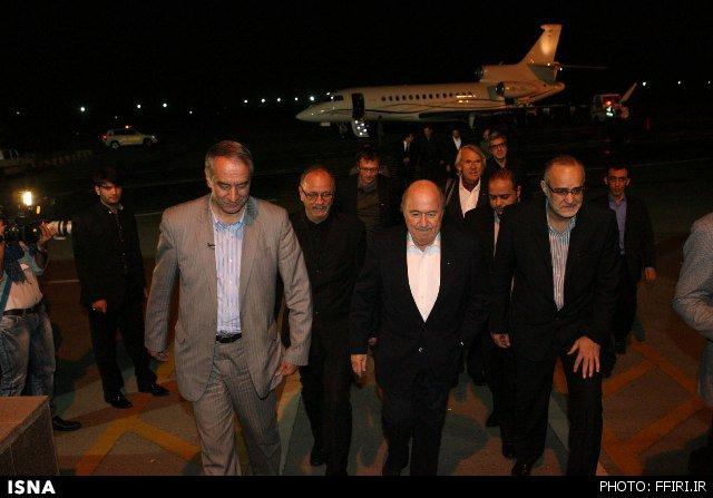 ورود رئیس فیفا به تهران با استقبال دایی و مهدویکیا + تصاویر