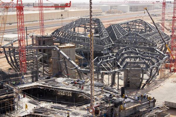 زاها حدید، تخریب مسجد الحرام و پیست اتومبیلرانی بحرین+ تصاویر