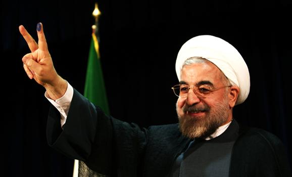شعار من «نجات اقتصاد ایران» است/با یارانه نقدی، یارانهکالایی نیز داده میشود/شستا کمترین شفافیت فعالیت اقتصادی دارد/ورود برنج خارجی سبب لطمه وارد آمدن به محصول داخلی است