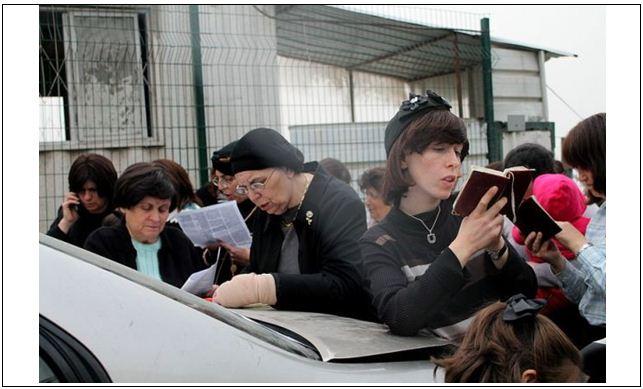 530587 651 حاشیه های سالگرد کشتار ایرانیان به دست ملکه استر