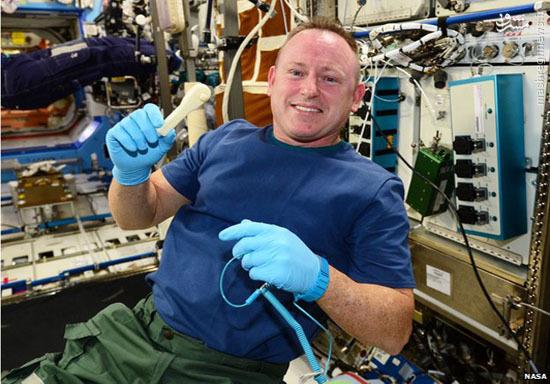 ایمیل آچار به ایستگاه فضایی + عکس