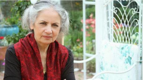 حضور بیحجاب زن بنیصدر مقابل هاشمی رفسنجانی +عکس