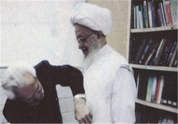 خیاطی که قبای علما و مراجع را دوخت؛ از امام خمینی تا سیدحسن نصرالله + عکس