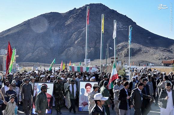 عکس/ کوه در کنار شهید گمنام