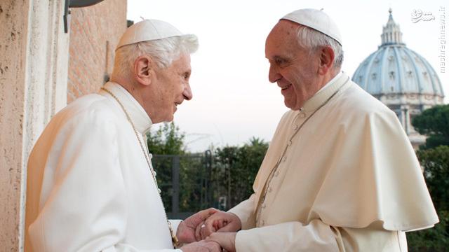 پاپ فرانسیس دوم، یک پاپ متفاوت
