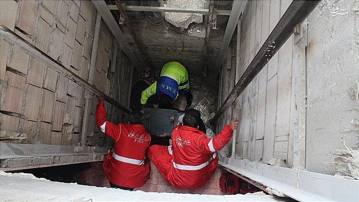 سقوط مرد جوان در چاهک آسانسور ساختمان 4 طبقه