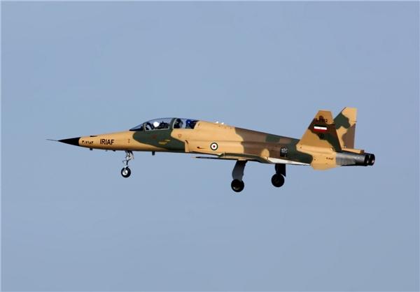 جنگنده و جت آموزشی پیشرفته «صاعقه 2» رونمایی و تحویل نیروی هوایی ارتش شد+عکس