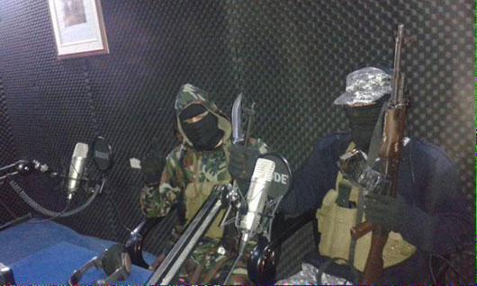 مجری برنامه های زنده داعش+تصاویر