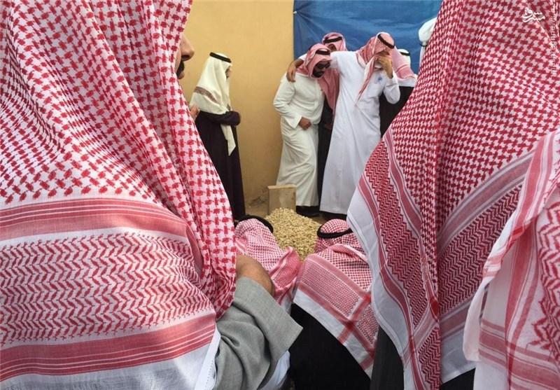 شاه سعودی در قبرستان