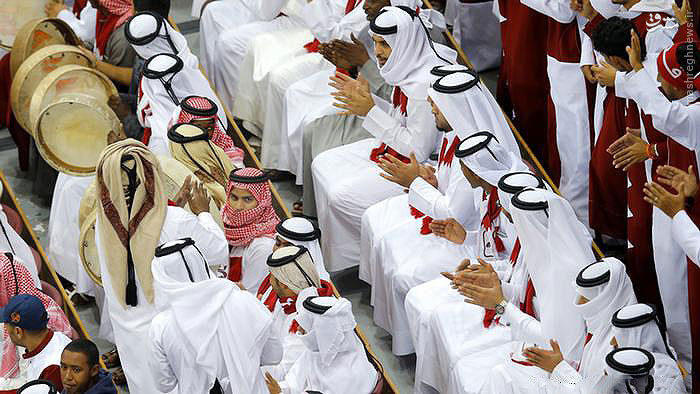 چند میگیری قطر را تشویق کنی؟