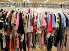 سلطانی:بین دولت و قاچاقچیان برای واردات پوشاک مسابقه افتاده / خسرو تاج: تعرفه واردات پوشاک 120درصد است / صنعت نساجی با تولید کنندگان مطرح رقابت کند