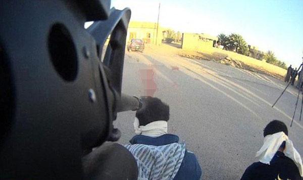 روش جدید داعش برای فیلم گرفتن از اعدامها +عکس