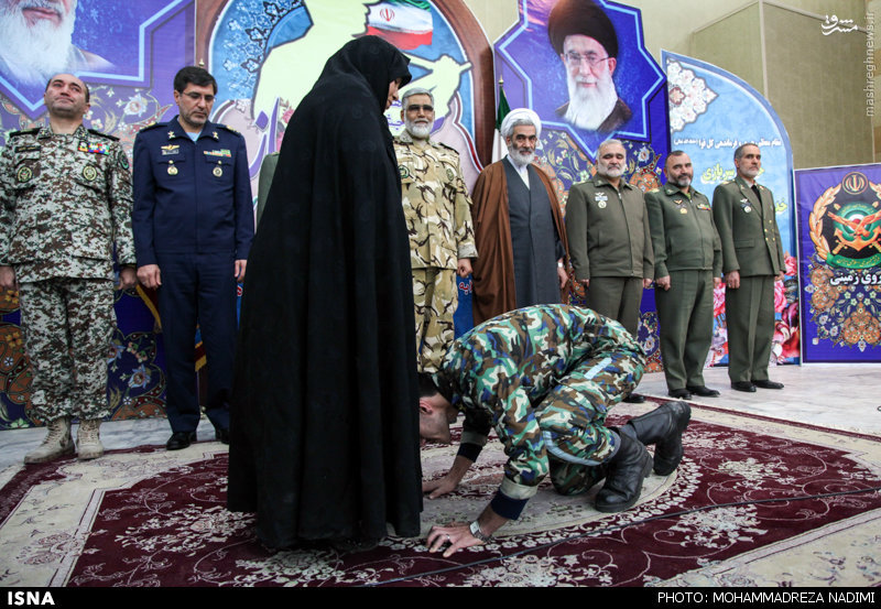 عکس/حرکت زیبای یک سرباز ایرانی