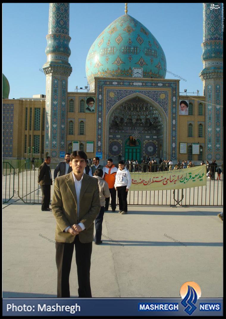 عکس/ مرد شماره 2 «تیپ فاطمیون» در مسجد «جمکران»