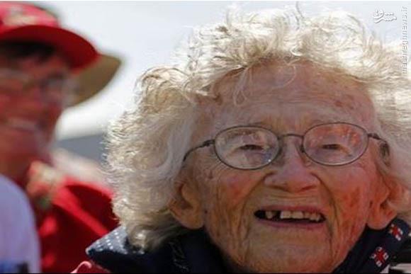 پیرزن 100 ساله