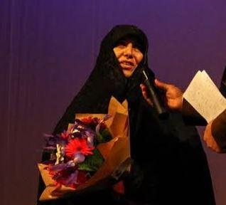 بوسه رهبر انقلاب بر چادر مادر شهید فتنه 88