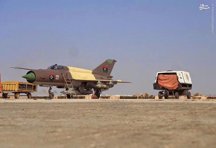 عکس/ تحویل جنگنده های مصری به لیبی