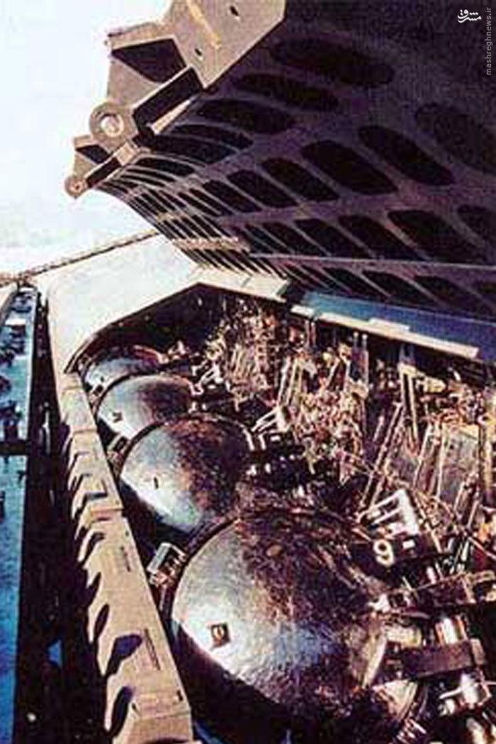 مشت موشکی سپاه این بار از زیر آب بیرون می آید+عکس و فیلم