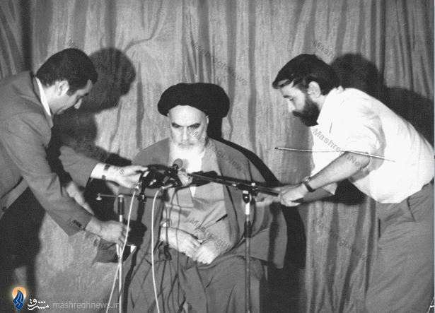 Risultati immagini per دیدارکارکنان روزنامه کیهان با آیت الله خمینی