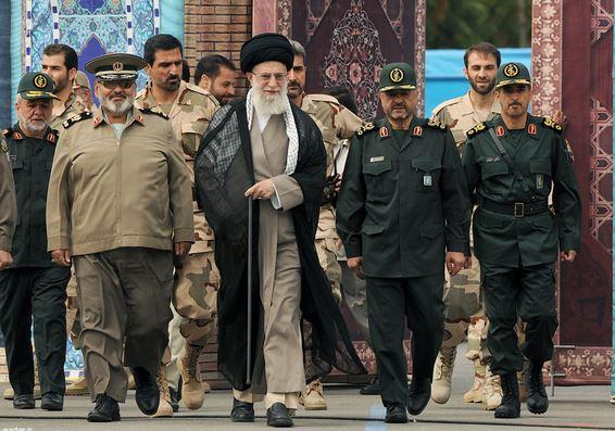 جوانان مؤمن و متعهد، رویشهای انقلاب و هستههای اصلی تمدن نوین اسلامی هستند/ موضوعات هستهای و حقوق بشر بهانههای دشمن برای منصرف کردن ملت ایران از ایستادگی و پیشرفت است