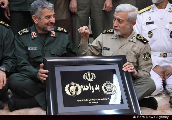 حاشیه جلسه فرماندهان ارتش و سپاه+عکس