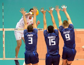 لهستان موفق شد اولین شکست ایتالیا در لیگ جهانی والیبال را به این تیم تحمیل کند.