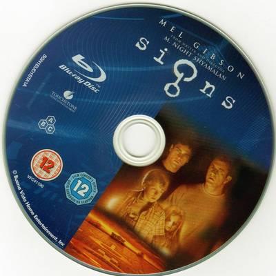نقدی بر فیلم نشانهها (2002) سلمان رشدیهای امروز