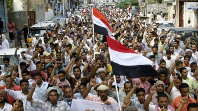 چرا آلسعود در یمن دخالت نظامی میکند؟/ مسلمانانی که به خاطر ایران شهید میشوند